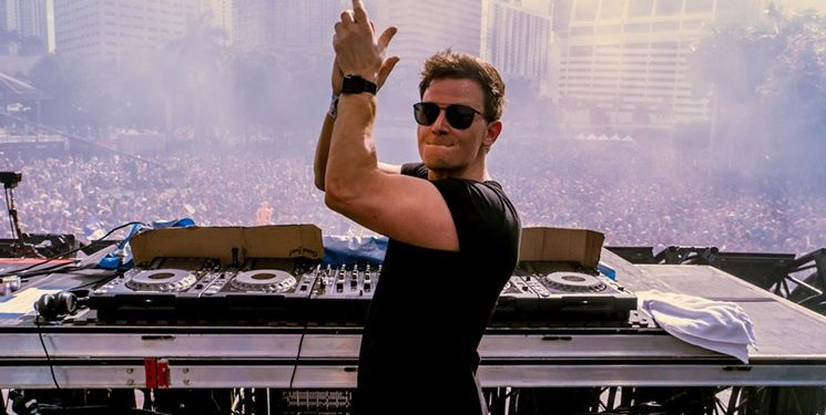 Fridays from 11:00 pm – 12:00 am Darklight Sessions With Fedde Le Grand Genre – House, Tech-House, Techno, Tribal Enjoying artistic freedom afforded only an elite few, Fedde Le Grand […]